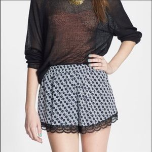 Nordstrom Lush floral lace shorts